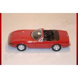 Solidò Ferrari 365 gts rossa 1:18